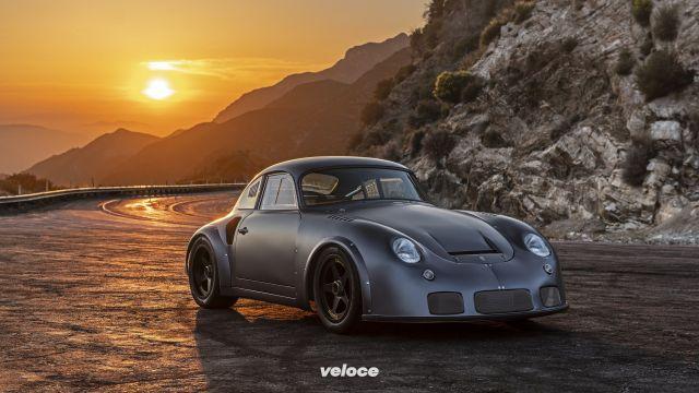 Il restomod di Emory colpisce duro: e da una Porsche 356 'escono' 400 cavalli