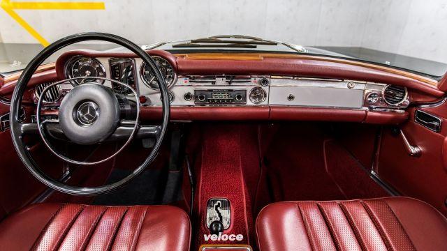 Auto classiche in vendita al Mercedes Museum