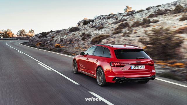 Tecnologia e look da RS6 per la nuova Audi RS4