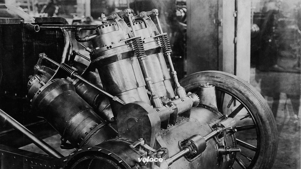 christie-1907-v-4-engine