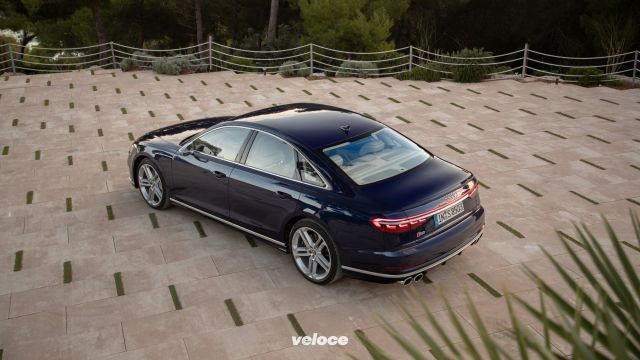 "Audi S8: la limousine va da 0 a 100 all'ora in 3""8"