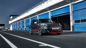 P90376702_highRes_mini-john-cooper-wor