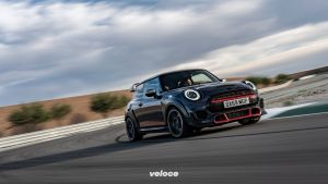 P90377058_highRes_mini-john-cooper-wor