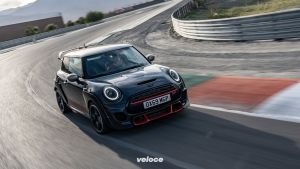 P90377069_highRes_mini-john-cooper-wor