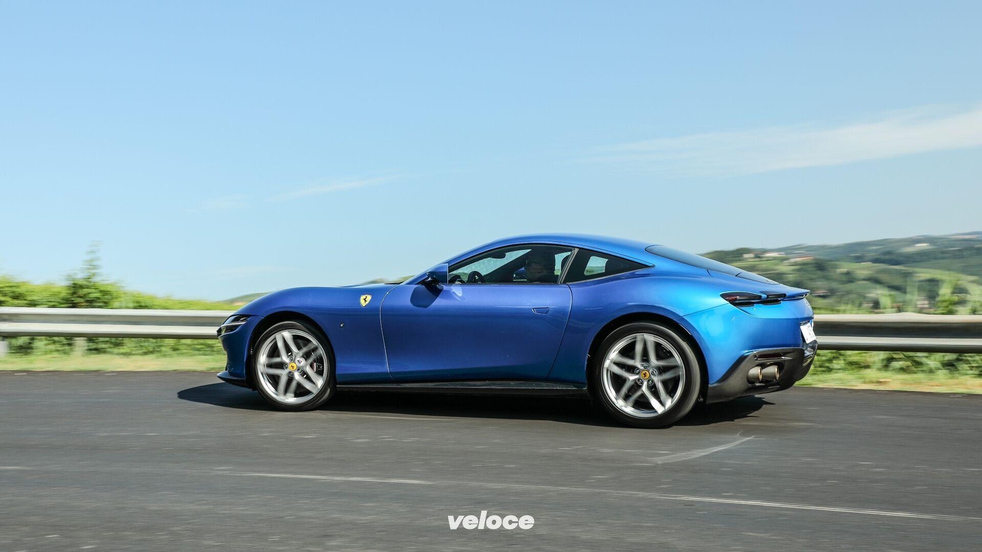 Ferrari-Roma-Blu-Corsa-11-1920x1080.jpg