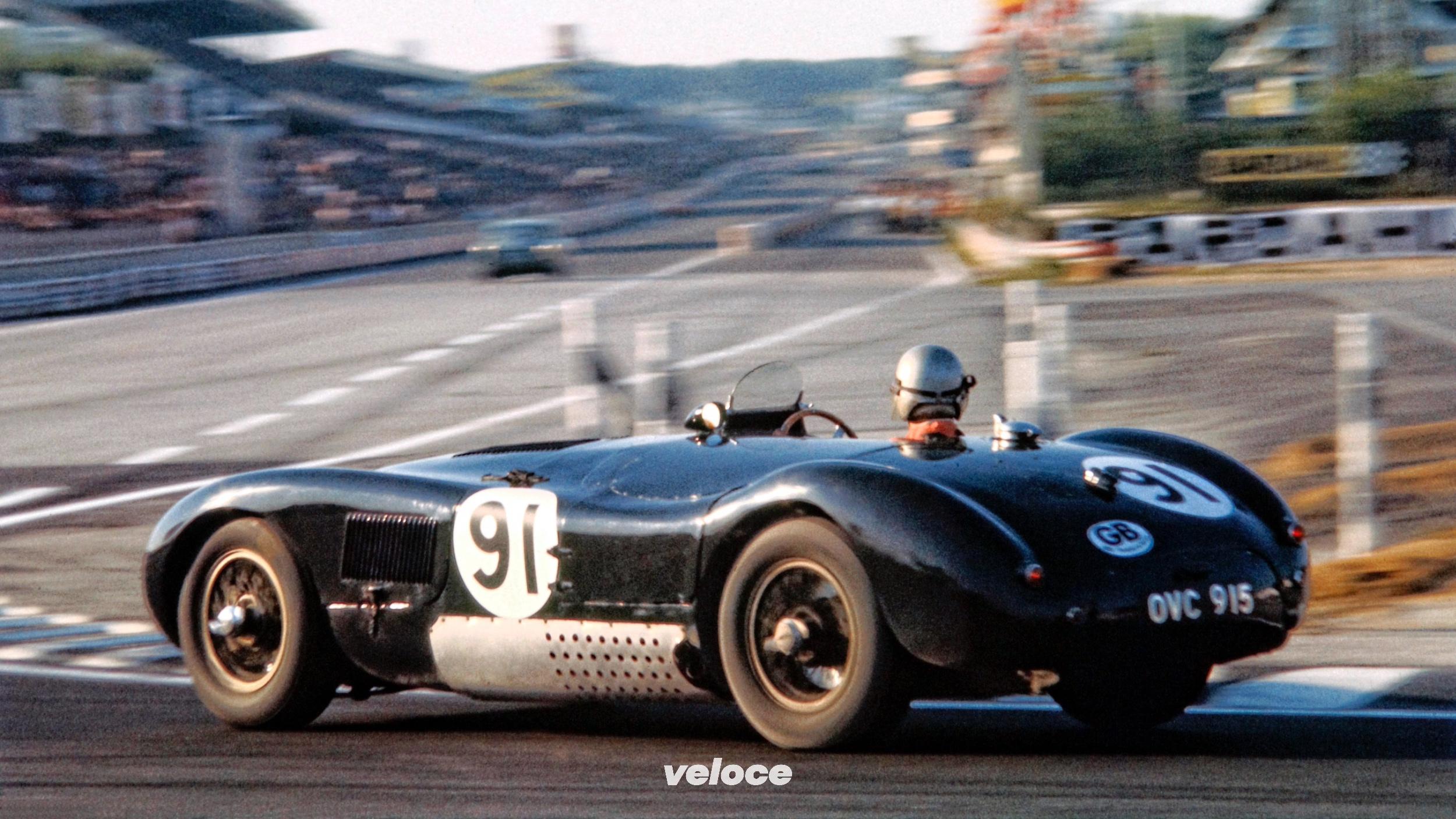 Jaguar C-Type: il sinuoso felino di La Sarthe